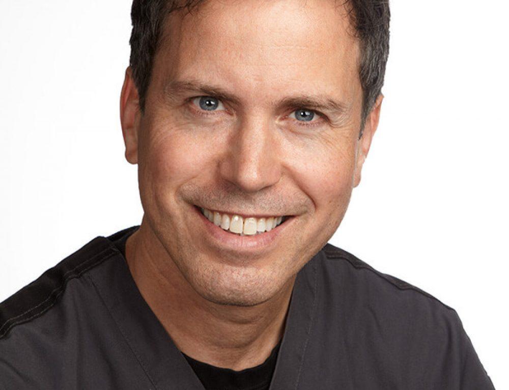 Pierre Pellan conférencier à l'Institut Dentaire International